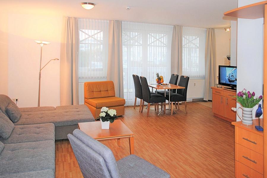 appartement nr 17 im haus strandburg im ostseebad binz auf r gen. Black Bedroom Furniture Sets. Home Design Ideas