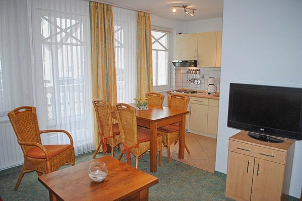 appartement nr 21 im haus strandburg im ostseebad binz auf r gen. Black Bedroom Furniture Sets. Home Design Ideas