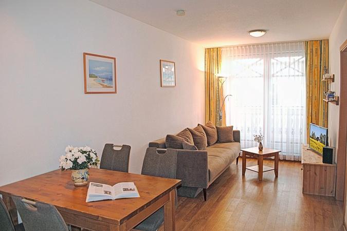 appartement nr 22 im haus strandburg im ostseebad binz auf r gen. Black Bedroom Furniture Sets. Home Design Ideas