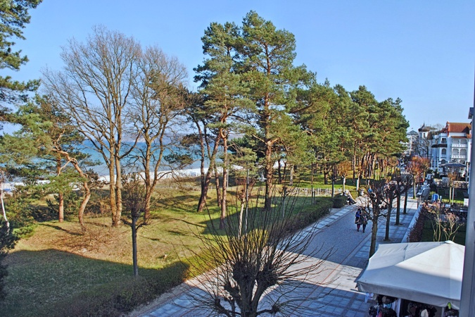 Villa Atlantic - Appartement Baltic Melody - Aussicht mit Strandpromenade