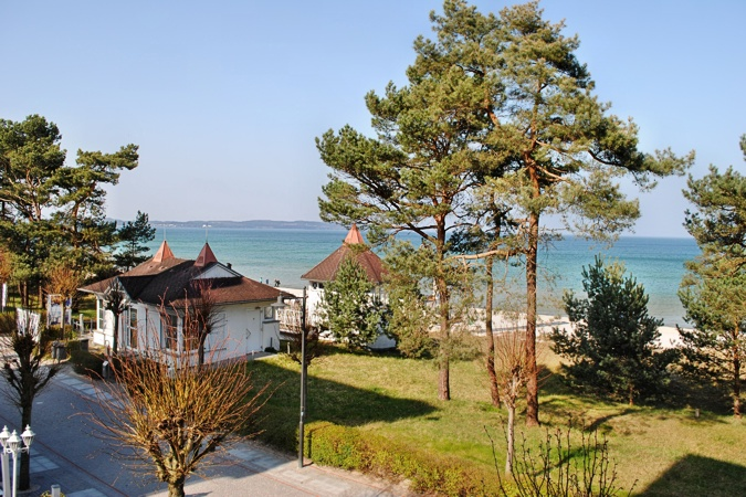 Villa Atlantic - Appartement Baltic Melody - Aussicht nach Sassnitz und Mukran