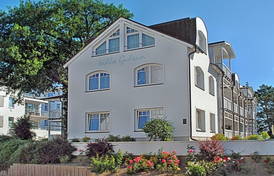 appartement in der villa 39 39 gudrun 39 39 direkt an der binzer strandpromenade. Black Bedroom Furniture Sets. Home Design Ideas